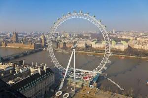 Применение покрытия ZINGA на понтонах ограждения в Лондоне.